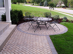 An example of a paver patio. Used under http://creativecommons.org/licenses/by/2.0/deed.en. Original photo by Sarah S. Tate.